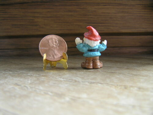 Hands Up 1:12 or 1:24 Miniature Dollhouse Garden Gnome