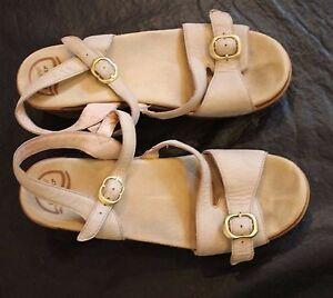 Dansko-Beige-Leather-Strappy-Sandals-Buckles-Womens-41-10-5-11-Tan