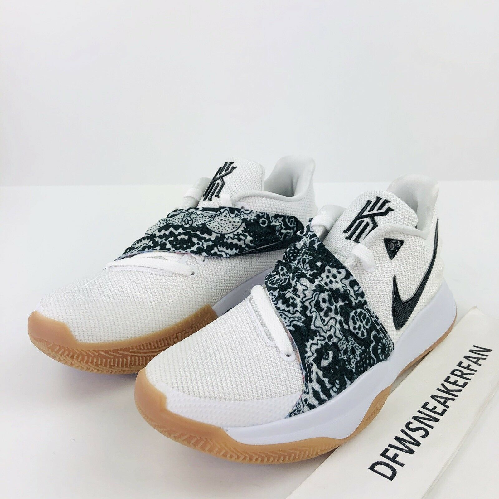 Nike Kyrie 4 Low Men's 12.5 White Black AO8979-100 Basketball shoes Irving New