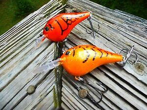 Details about RAPALA STYLE CUSTOM PAINTED CRANKBAIT FISHING LURE DEMON CRAW  OR HOT ORANGE PAIR