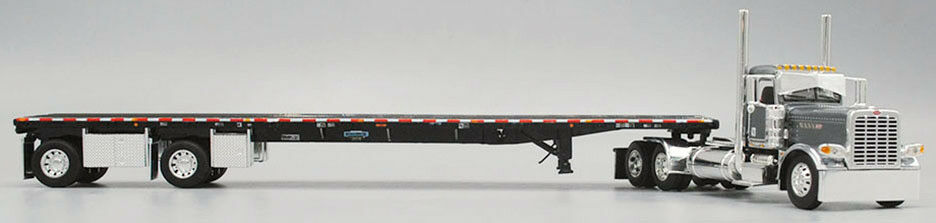 DCP PETERBILT 389 PRIDE & CLASS DAY CAB WILSON SPREAD AXLE FLATBED 34289