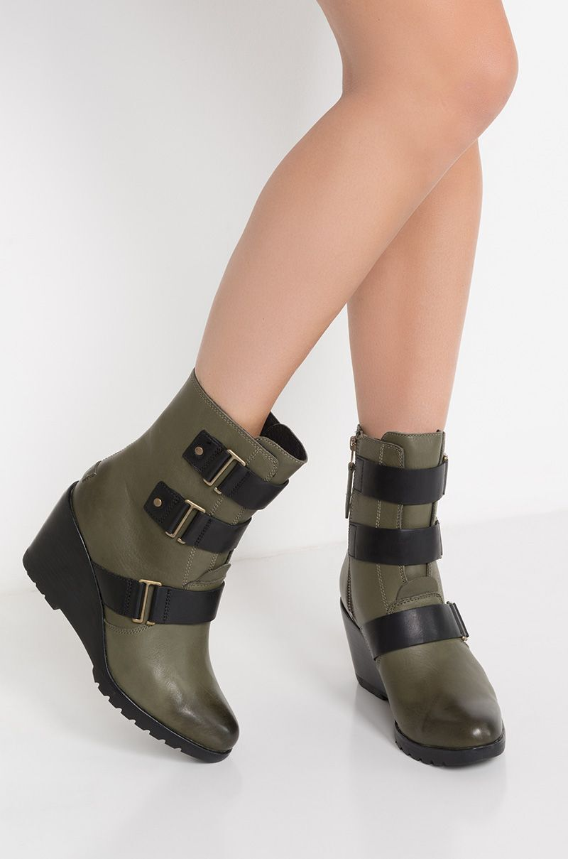 Sorel After Hours Waterproof Pelle Wedge Bootie Color Nori Size 7.5