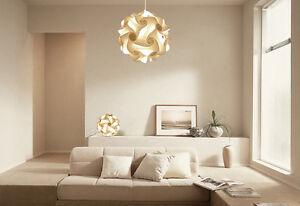 Promo lampada da tavolo e lampadario colore bianco salone