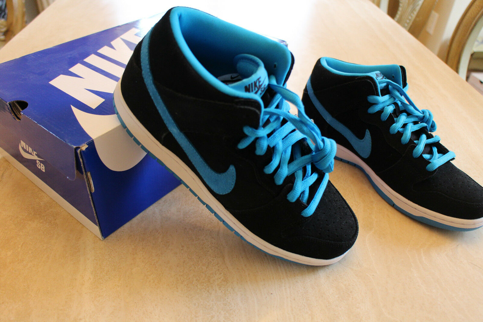 NIKE DUNK MID PRO SB NIB Sz 8.5 Price reduction AUTHENTIC!! best-selling model of the brand