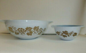 Vintage Pyrex Cinderella Bowl Chip & Dip Set Golden Grapes w/ Delphite Blue