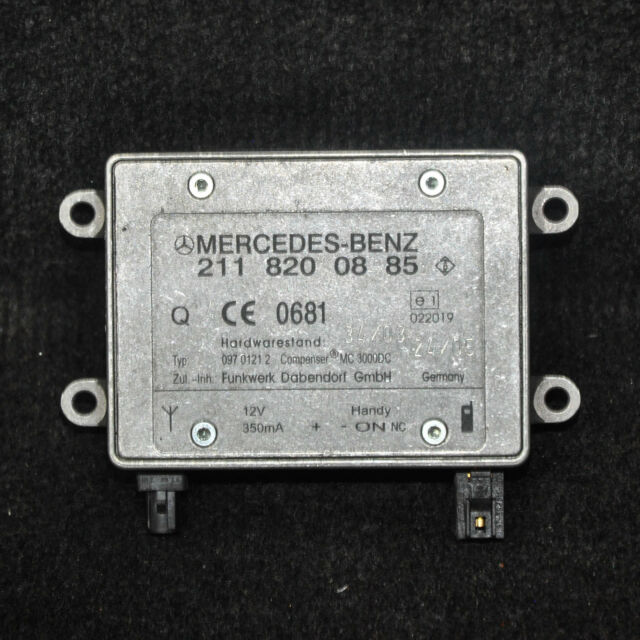 MERCEDES-BENZ E-CLASS Antenna Amplifier ECU Control Unit W211 A2118200885