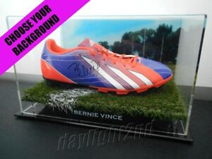 Signed-BERNIE-VINCE-Football-Boot-PROOF-COA-Melbourne-Demons-2018-Guernsey