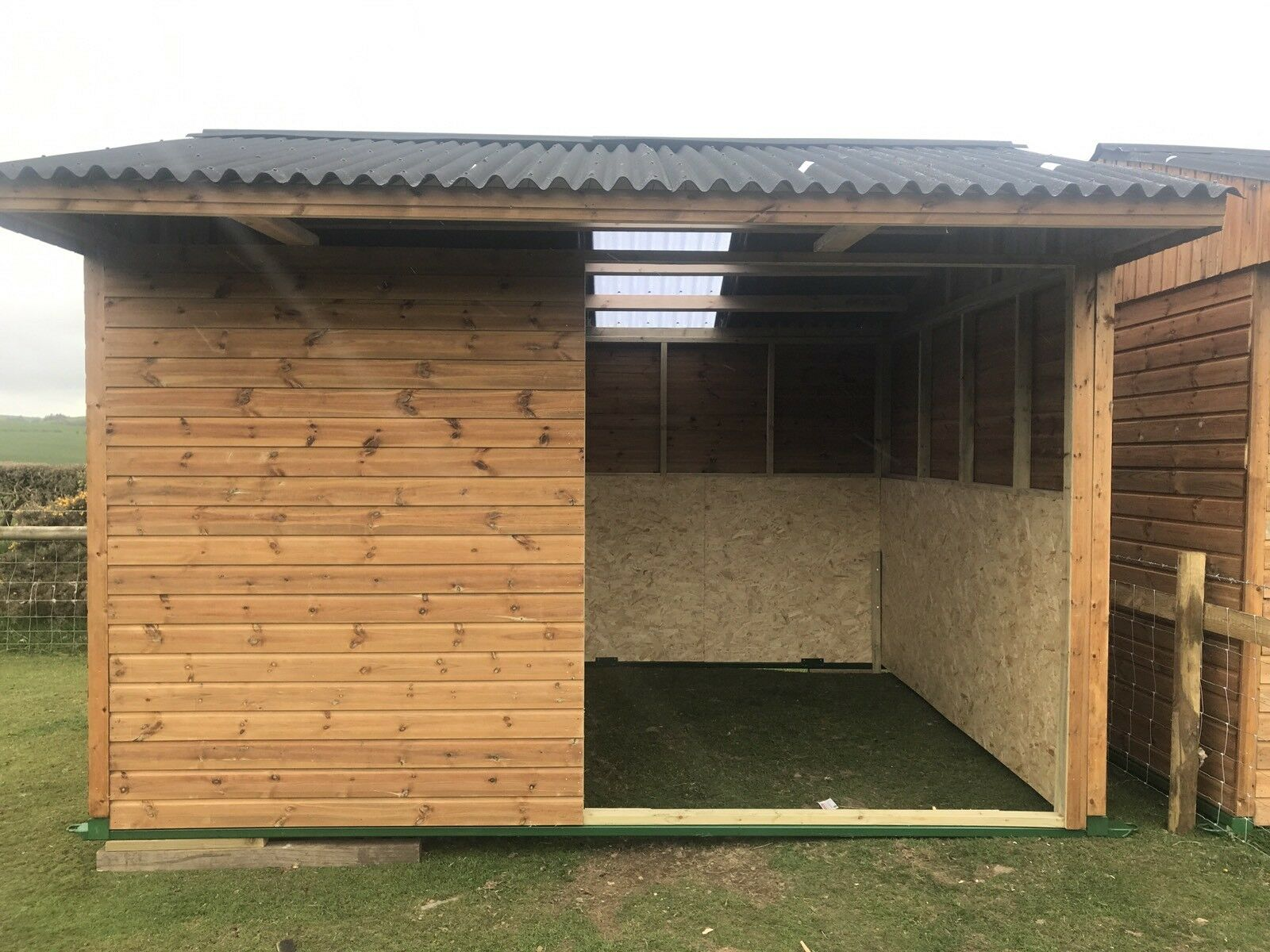 12 X12 FIELD SHELTER FOR SALE (MOBILE STABLE SHELTER) WOODEN TIMBER