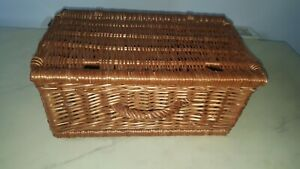 VINTAGE-PICNIC-BASKET-17-X-11-X-7-INCHES-STORAGE-DISPLAY