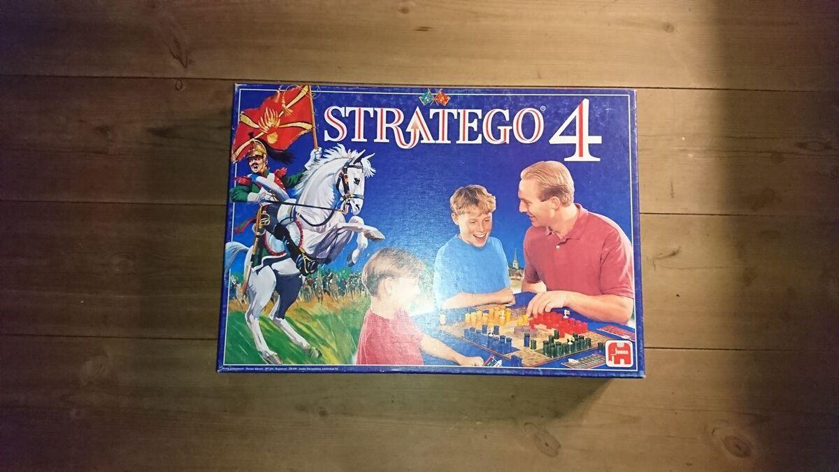 Stratego 4 Familie Spil Braetspil Dba Dk Kob Og Salg Af Nyt