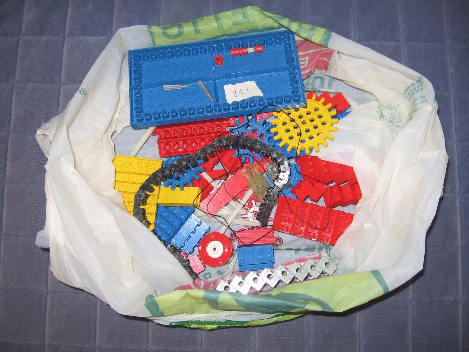 LEGO Scatola Universale 811 Gear Crane Set