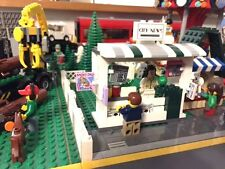 Custom Lego News newsstand for City/ train/ modular. Tons of rare pieces!