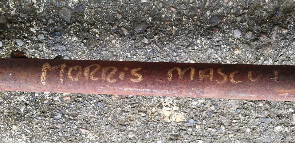 Udstødning, Morris Mascot