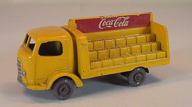 MATCHBOX  REGULAR Wtalons Nº 37 B COCA COLA LORRY jaune C. Axles GPW LESNEY  183  vente de sortie