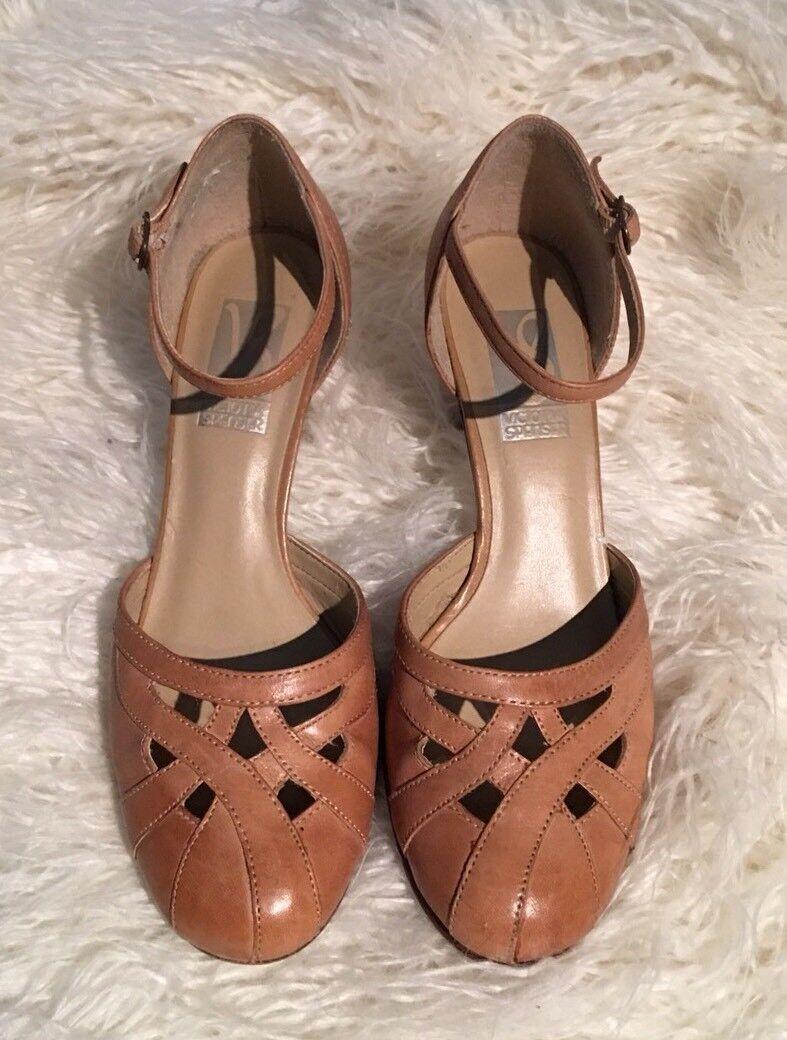 VICTORIA SPENSER Womens Tan Leather Closed Criss Cross 6.5 Toe Kitten Heels Size 6.5 Cross 04786e