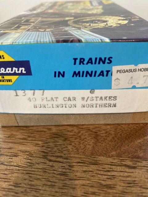 HO Scale Athearn Blue Box 1377 40' Burlington Northern Flat Car W/ Stakes NOS