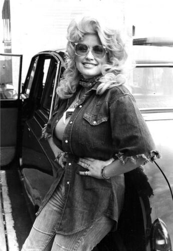 Dolly Parton huge bust leaning against car in sunglasses 1970/'s 16x20 poster