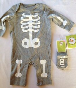 Circo Skeleton Jumpsuit Set & Boo Socks 0-3 Months Long Sleeve Halloween Costume