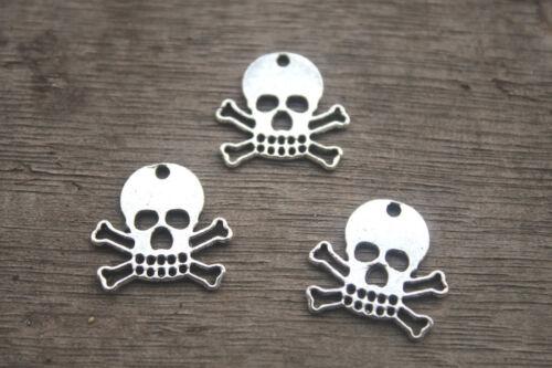 35pcs Antique Tibetan silver Skull and Crossbones Pirate Charm pendants 18x17mm