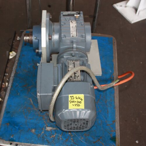 SEWEurodrive 0.37kW 1380rpm 3 phase AC ELECTRIC MOTOR gearbox 184.81 ratio