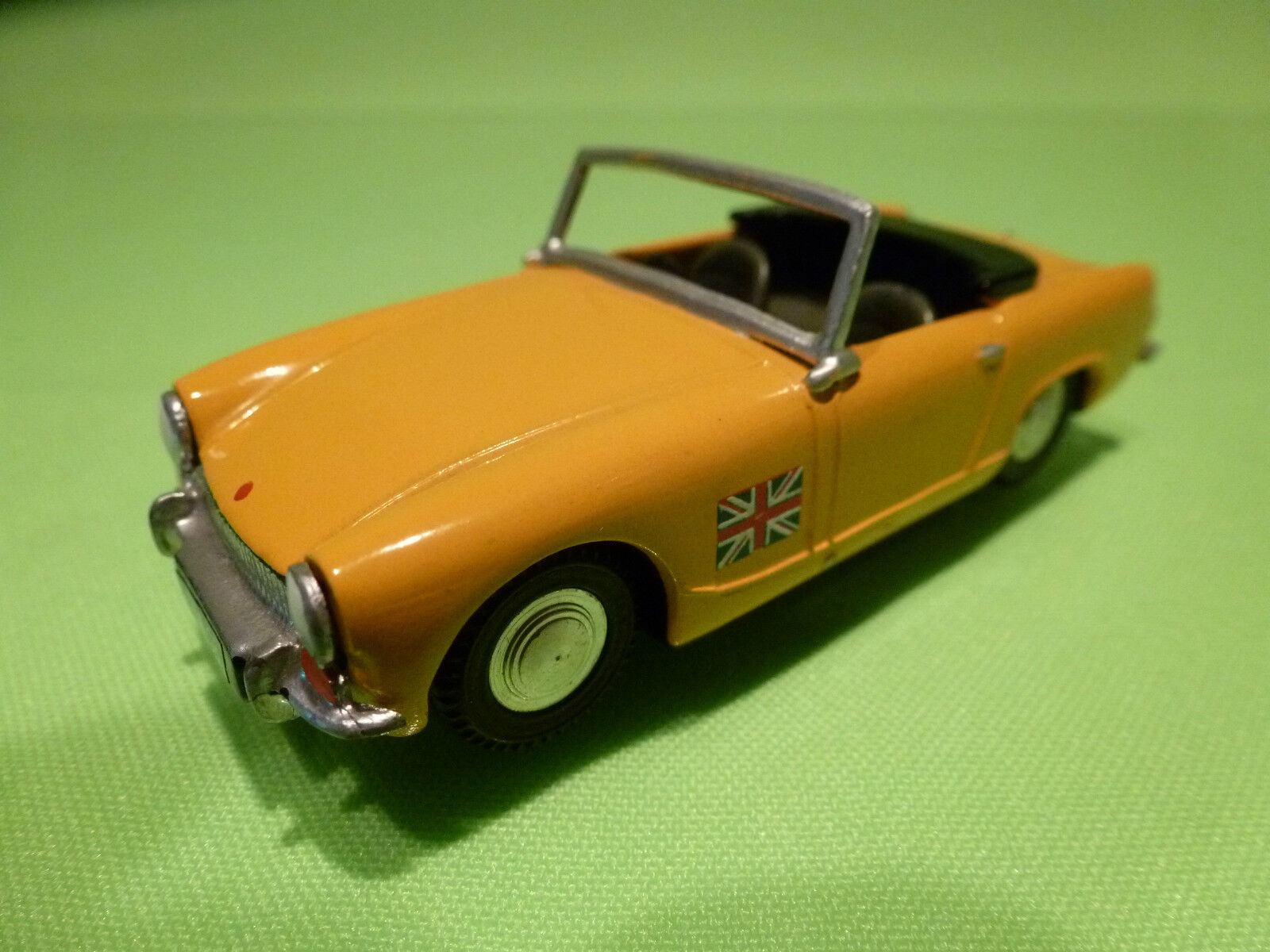 MIKANSUE - GRAND PRIX MODELS 1 43 MG MIDGET  - SPOT ON  - GOOD CONDITION