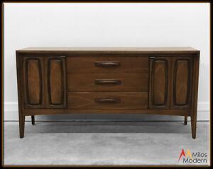 60s-Mid-Century-Modern-Broyhill-Emphasis-Walnut-Wood-Dresser-Credenza-Sideboard