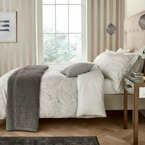 Harlequin 300 Thread Count Cotton Sateen 5 Piece King Size Bed Set Makrana