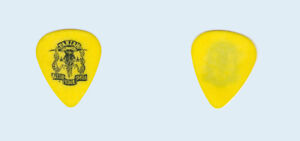 Pariah-1993-tour-used-Black-on-Yellow-Rattle-Your-Skull-band-Guitar-Pick-Pic