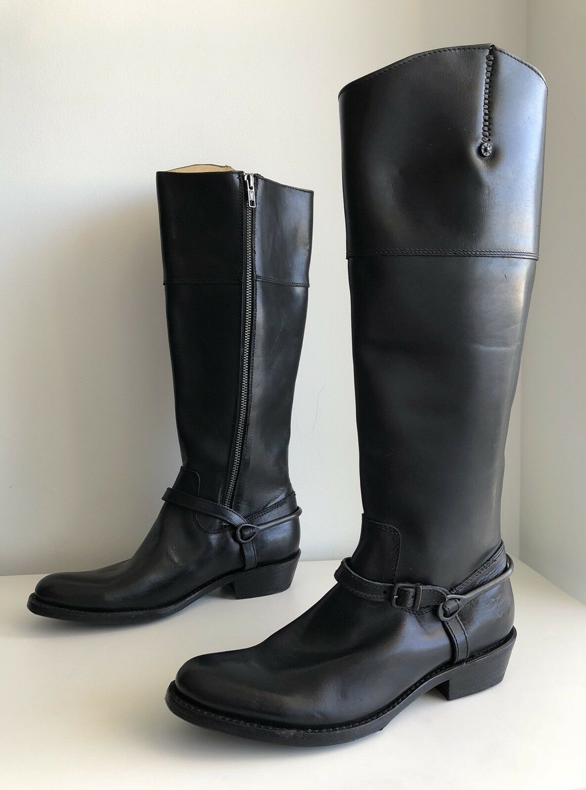 Frye Rider Spur Tall Leather Side Zip Knee High Boot, Black. Size 6