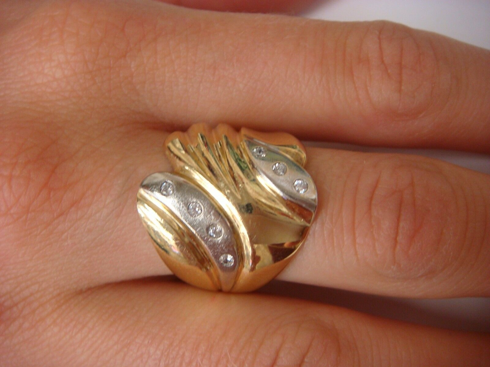 14K TWO TONE gold WIDE FREE STYLE LADIES DIAMOND RING, 7.6 GRAMS, 0.20 CT T.W.