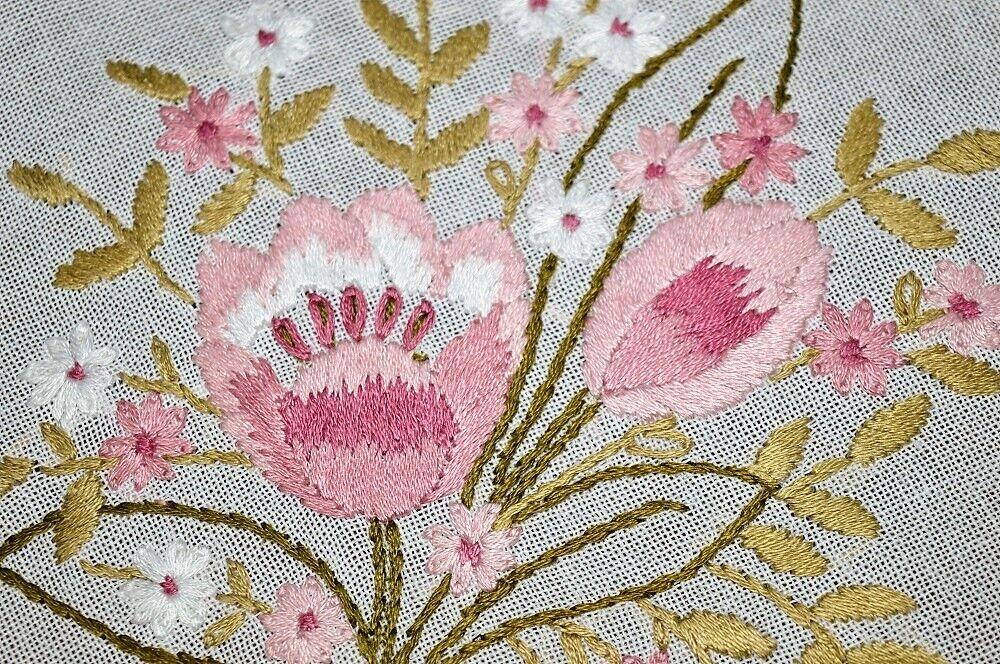 rose Tulip rendez-vous  Vintage German main brodé printemps Nappe