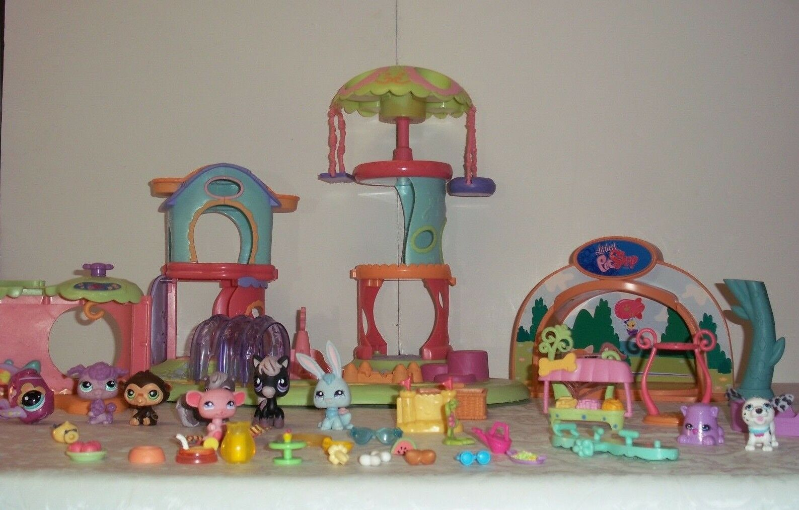 Littlest Pet Shop Light Up Stage WHIRL WHIRL WHIRL AROUND PLAYGROUND & ACCESSORIES LOT +More a14cb2