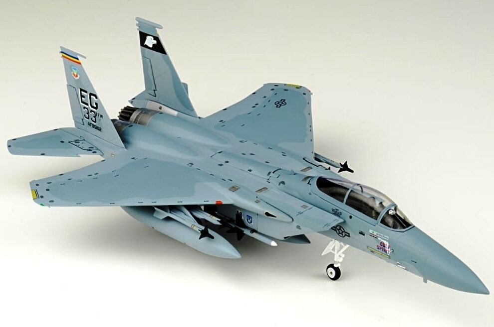 JC WINGS JCW72F15002 1 72 F-15C EAGLE 33RD TACTICAL FIGHTER WING DESERT STORM