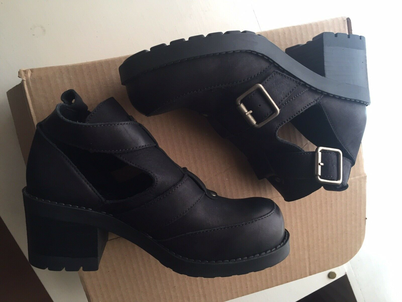 Office Leather shoes Cut Out Buckle Boots Size 4