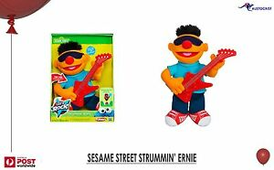 Sesame-Street-Hasbro-Strummin-039-Ernie-Let-039-s-Rock-with-Guitar-Sounds-BNIB-Toys