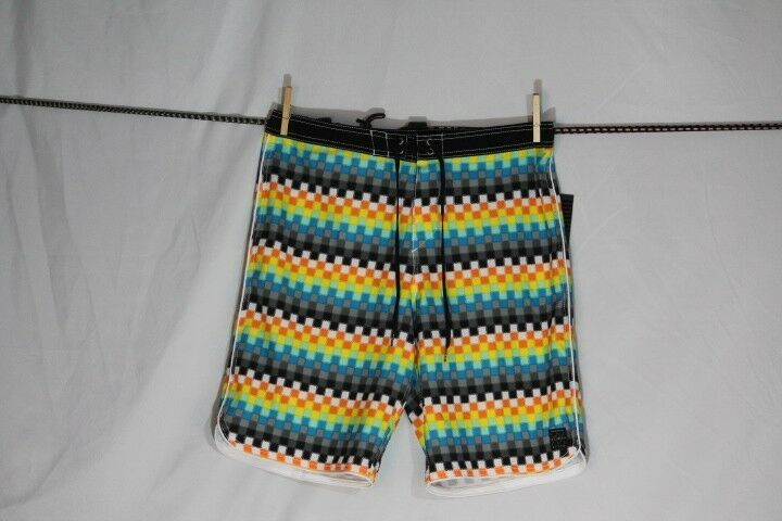 O'NEILL  HYPER FREAK  SWIM SURF BOARD SHORTS MULTI-COLOR PLAID size  36