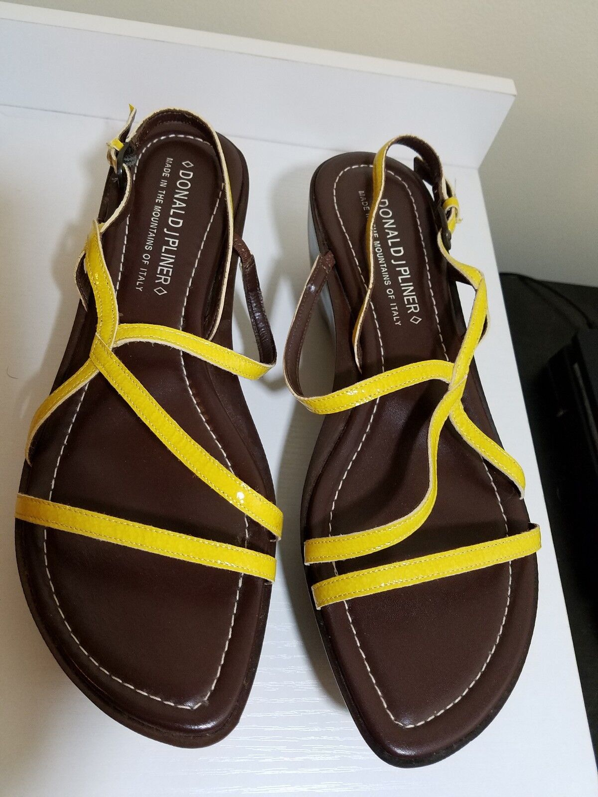Donald Pliner womens sandals yellow brown strappy size 10 M New NWT medium