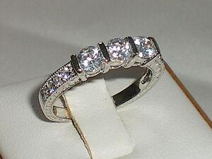Damen-punziert-925-Sterling-Silber-massiv-3-stein-weiss-Saphir-Ewigkeit-Ring