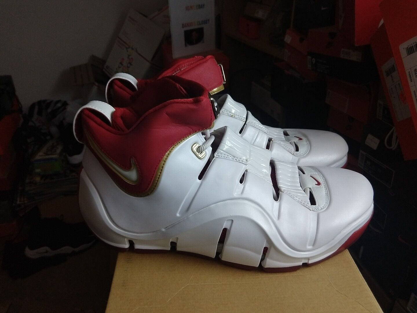 DS Nike Zoom Lebron 4 IV Cavs Home Sz 10.5 PE Sample Promo