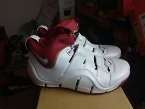 251c46783ee DS Nike Zoom Lebron 4 IV Cavs Home Sz 10.5 PE Sample Promo