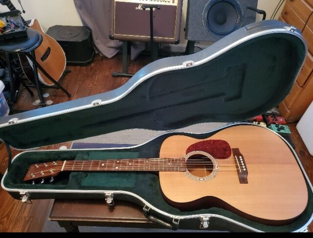 Martin J-1 Jumbo Acoustic Guitar 1997 Martin Case Huge Tone No Cracks D18 D28
