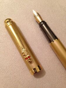 HERO-7026-GOLD-GOLD-TRIM-MEDIUM-NIB-FOUNTAIN-PEN-CONVERTER-UK-SELLER