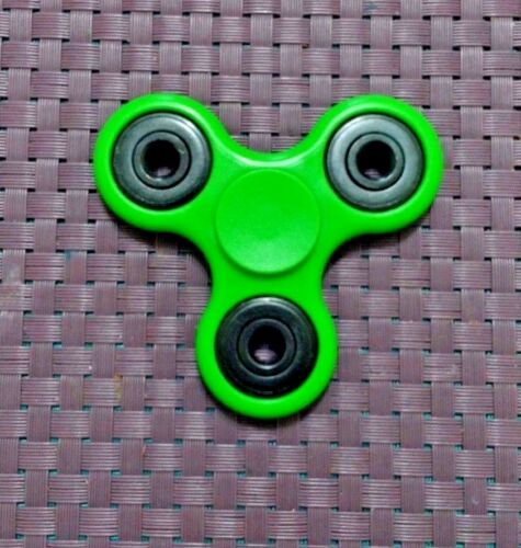 Finger Fidget Tri Spinner Stress Relief for All-USA SELLER//Free Shipping! Hand