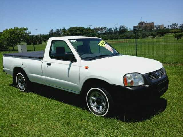 2011 Nissan NP300 Hardbody 2.0 SE LWB, White with 160436km available now!