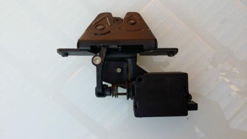 Genuine BMW E39 Saloon Arrancar Tronco Cerradura mecanismo de pestillo /& Solenoide 5 Pin 1999-03