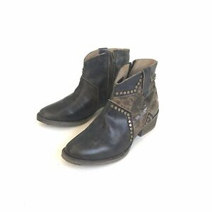 Circle-G-Women-039-s-STAR-Studded-Booties-Distressed-Leather-Size-8