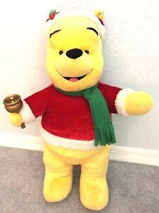 Disney-Winnie-L-039-Ourson-Peluche-Debout-Animal-en-Noel-Santa-68-6cm