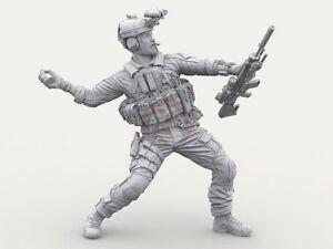 Legend 1/16 120mm US Navy SEAL #4 M18 Smoke Grenade & SCAR-H Mk 20