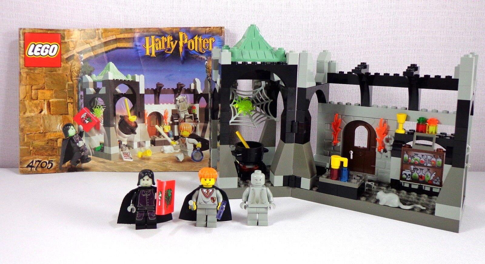 LEGO Harry Potter Set Snape's  classe 4705 completare with 3 Minifigs No scatola  la migliore moda