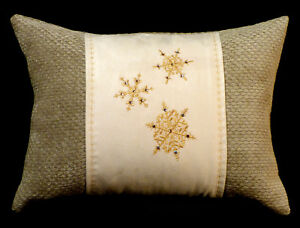 New-Embroidered-Off-White-Sage-Gold-Snowflake-Accent-Pillow-New-12-x16-Insert